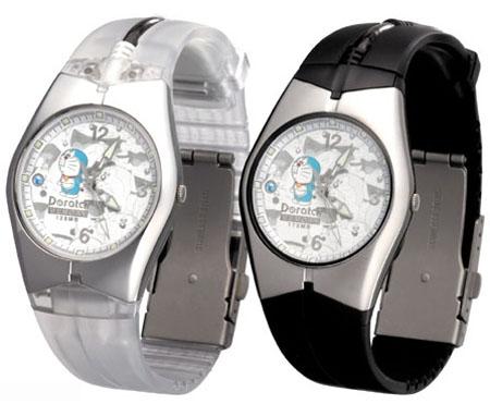 """日本""""机器猫""""也疯狂 手表也能当闪存"""