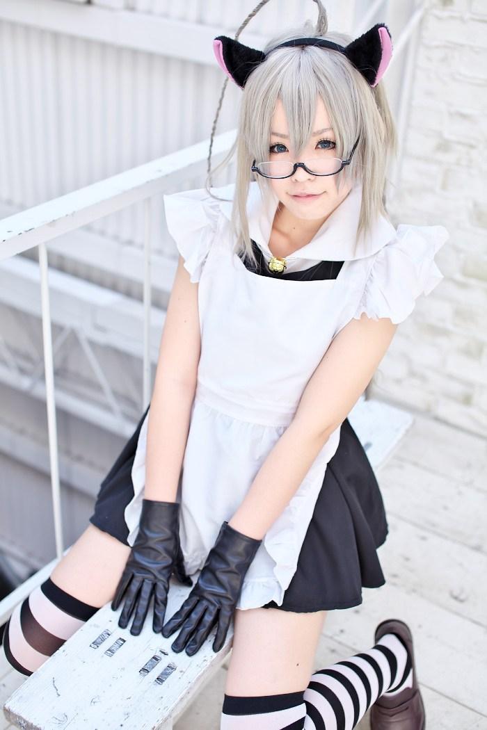 奈亚子猫耳女仆制服cosplay欣赏 这样的萌妹子你hold住吗?