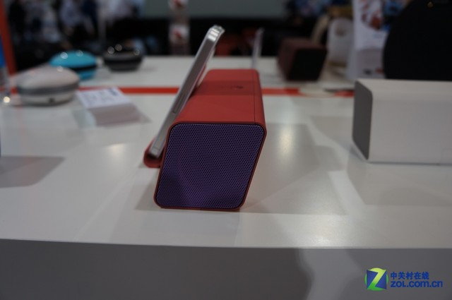 CES2013:麦博时尚苹果音响MD212美图赏