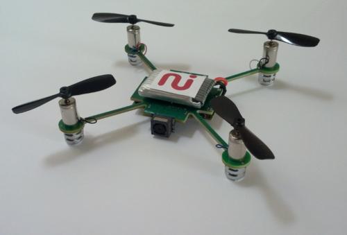 无处不在 可声控微型飞行摄像机Mecam