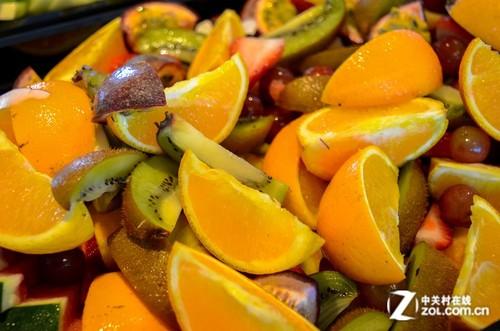 自助餐中的水果拼盘-乘风破浪驶向大堡礁平台 D7000 单机
