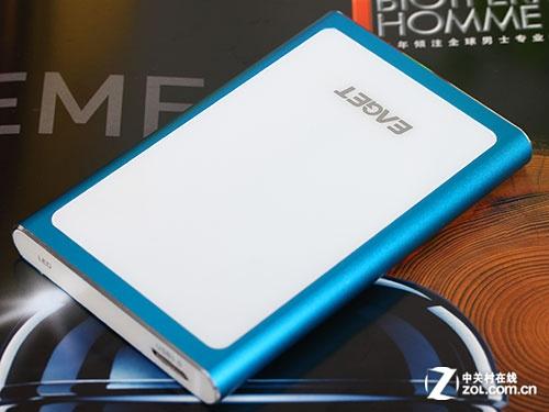 忆捷G90 1TB移动硬盘卖场促销