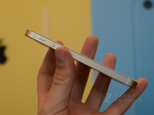 土豪金也有 16GB苹果iPhone 5s十一热卖