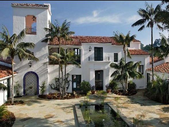 施密特的这处豪宅是在2007年以2000万美元价格从知名喜剧演员艾伦-德杰尼勒斯(Ellen DeGeneres)处购得的。