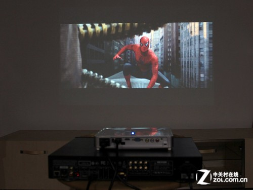 3D宽屏享受 丽讯QUMI Q7家庭影院应用