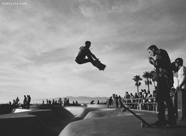 激情洋溢的青春 黑白极限摄影作品欣赏