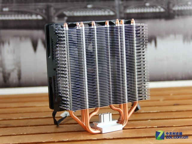 四热管智控 酷冷至尊暴雪T4散热器图赏