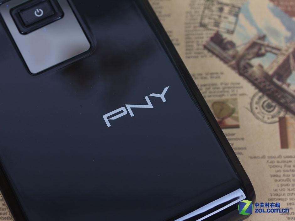 精致钢琴烤漆壳 PNY-P104移动电源图赏