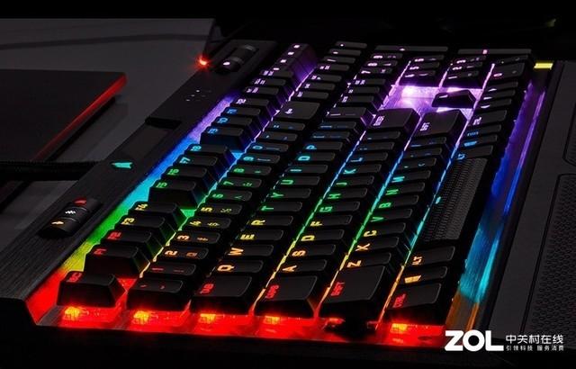 海盗船K70 RGB MK.2机械键盘