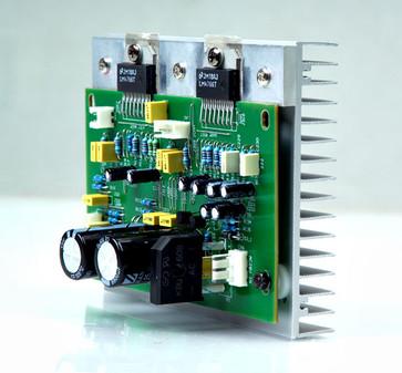 s30的功放电路由ne5532运放 两片lm4766功率放大芯片组成.