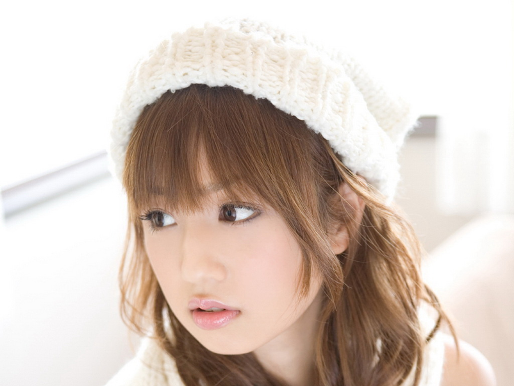 日本女星小仓优子精美壁纸图片