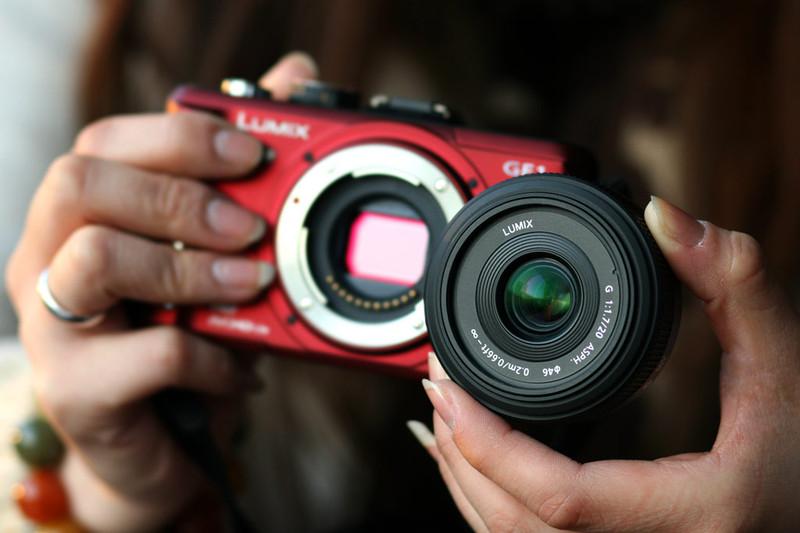 相机附件 包装清单 充电器,交流电源适配器,电池,机身护盖,av接线,usb