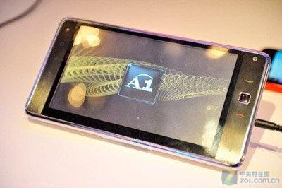华为发布7寸平板电脑S7 具备手机功能