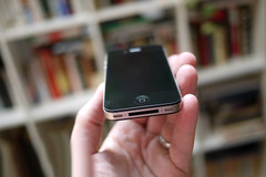港版惊现上海 iPhone4港行开卖9200元