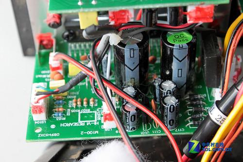 惠威m100音箱:功放电路部分