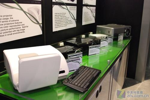 Infocomm2010:丽讯短焦、3D新品亮相