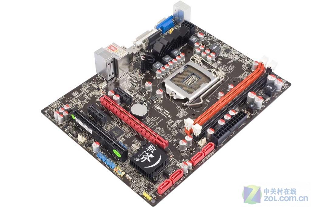 七彩虹战斧子品牌主板近日曝光,该系列产品均采用B3步进芯片及全固态电容方案,面向中端主流市场,价格更有竞争力,并且着重加强在品质方面建设。目前已知战斧C.H61 V21的上市价格为499元,刷新目前6系主板价格新低。战斧C.H61 V21支持七彩虹第3代智能主板技术,包括智能还原,智能升级,驱动人生等,支持iGPU Tuner/GPU超频技术,全面支持VGA,DVI及HDMI全高清输出。(编辑:卜玄奕) 作者:卜玄奕 2011-03-16 06:10