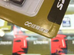 超大容量 金士�D32GB SD卡��r480元