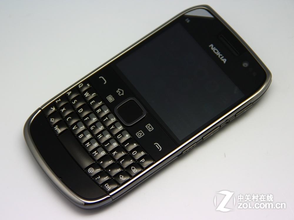 【高清图】 黑莓9900领衔 三款触控全键盘手机对比图11