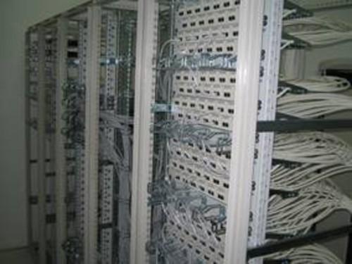安普布线为工厂网络布线提供了高性能的布线系统产品.