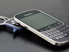 全键盘+电容屏 黑莓9900售价再次上涨