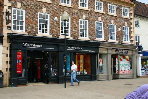 英国书店Waterstone