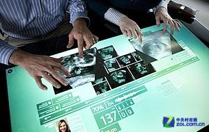 关于Win8?微软明年1月推出多点式触摸