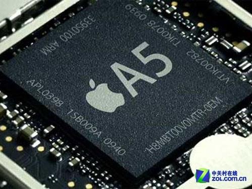说到三星,就不能不说苹果。这对冤家在专利战没有胜负的情况下,仍然坚持着处理器上的代工合作,这从表面上看,是苹果对于三星的依赖,但深挖一下的话,这难道不是包括三星、苹果在内的所有终端厂商,对于ARM的妥协吗? 就好像Intel霸占着PC市场一样,ARM架构也在统治着移动处理器市场。具体到苹果身上,其实三星和苹果的处理器之前都是一家公司代工。但是后来三星买走了该公司的一个技术专利授权,于是自己也能做处理器了;而苹果直接买下了该公司,所以苹果也没有吃亏。不过这直接导致了苹果A4处理器和三星I9000的基本一致。