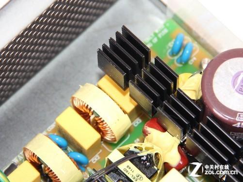 机箱电源 正文  金翔500w金牌电源采用了 主动式pfc llc谐振半桥 同