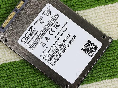 固态硬盘OCZ Vertex 4 128GB(VTX4-25SAT3-128G)标签特写