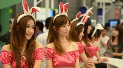 2012年ChinaJoy游戏展美女v美女帅哥_佳EO400*400头像攻略美女图片