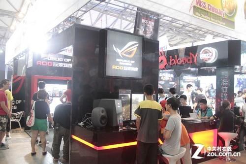 ChinaJoy2012! 看老外如何玩转惠威X6