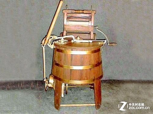 早在古代,人类为了摆脱纯手工洗衣服