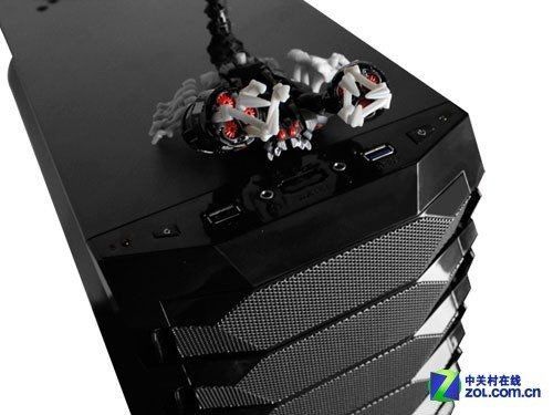 纪念版游戏玩家首选 AW毒蝎机箱评测