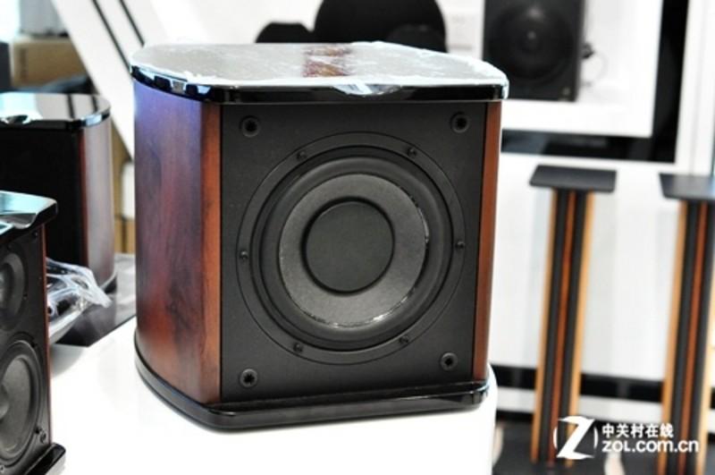 【高清图】 三分频设计 hivi惠威中端音箱售1280元图1