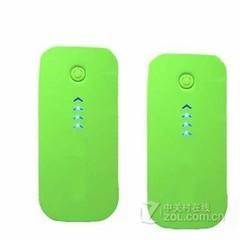 英歌新款热卖鱼嘴羽毛移动电源- 绿色 5600毫安